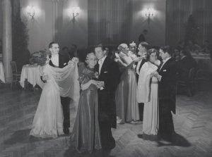 Tak bawiono się w Hotelu Europejskim w Warszawie w 1936 roku...